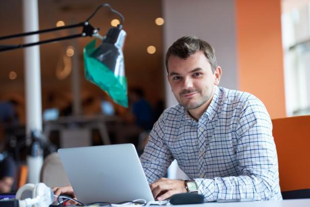 Implementación de Aulas Virtuales con MOODLE para Administradores